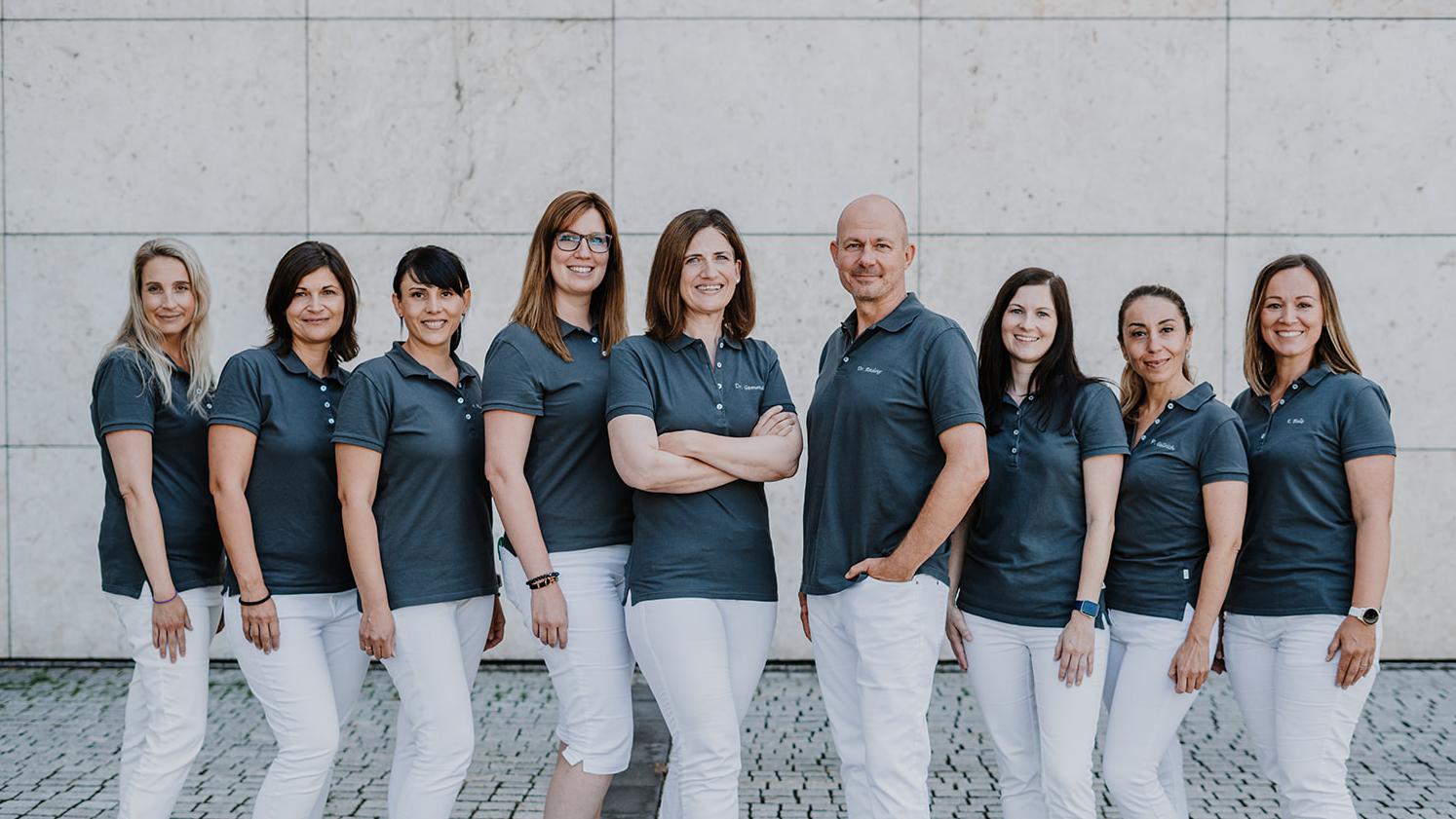 Gruppenbild Hautarzt Praxisteam Radny Gemmeke Friedrichshafen